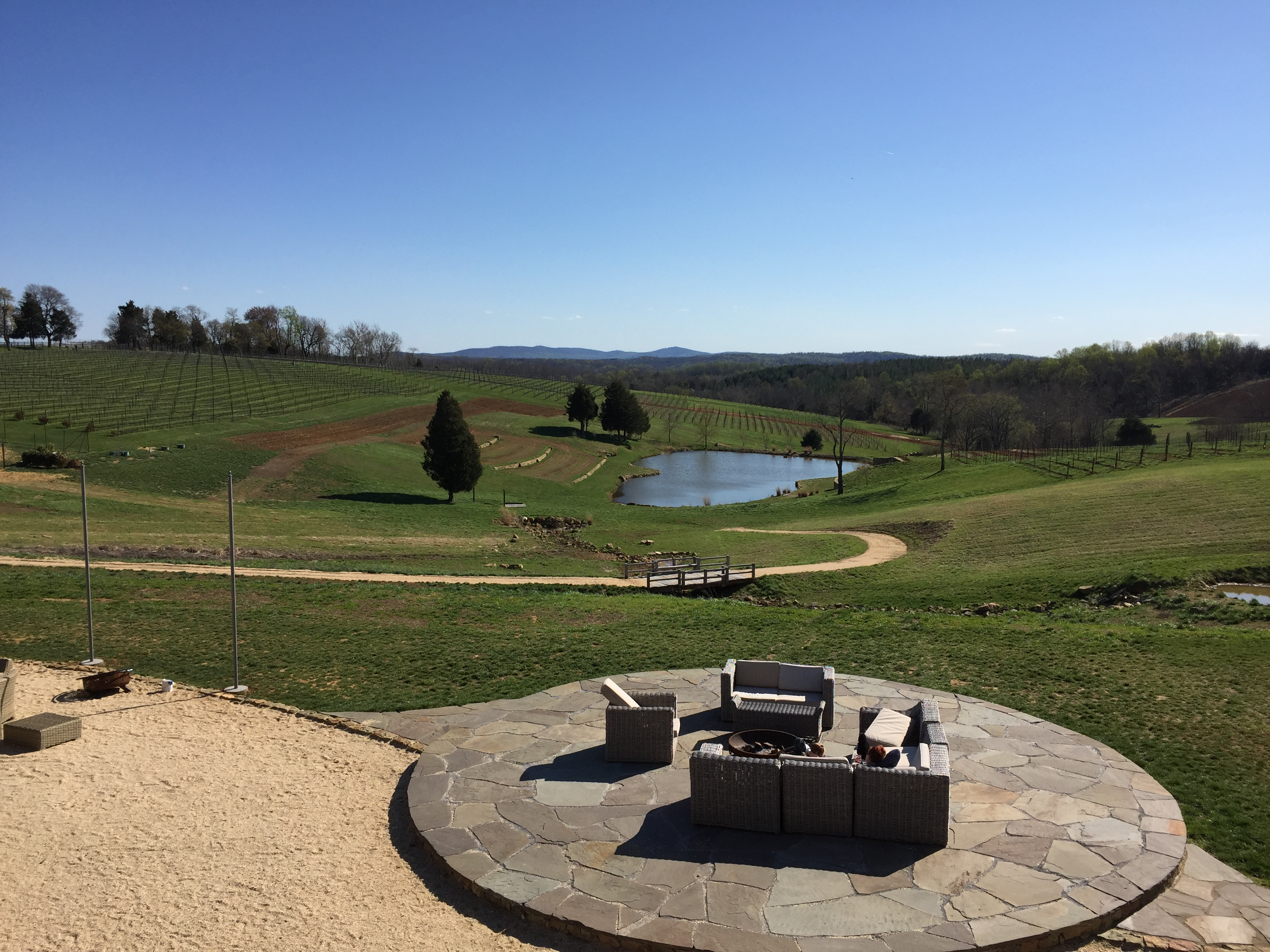 Part 2 of our Northern Virginia Wine Tasting Series includes reviews of Stone Tower Winery and Willowcroft Farm.
