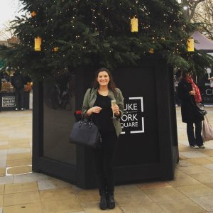 Christmas in London - London is the BEST place to spend the holidays. Find out why on www.apairofpassports.com