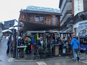 Apres Ski in Zermatt - Where to drink in Zermatt - Zermatt, Switzerland