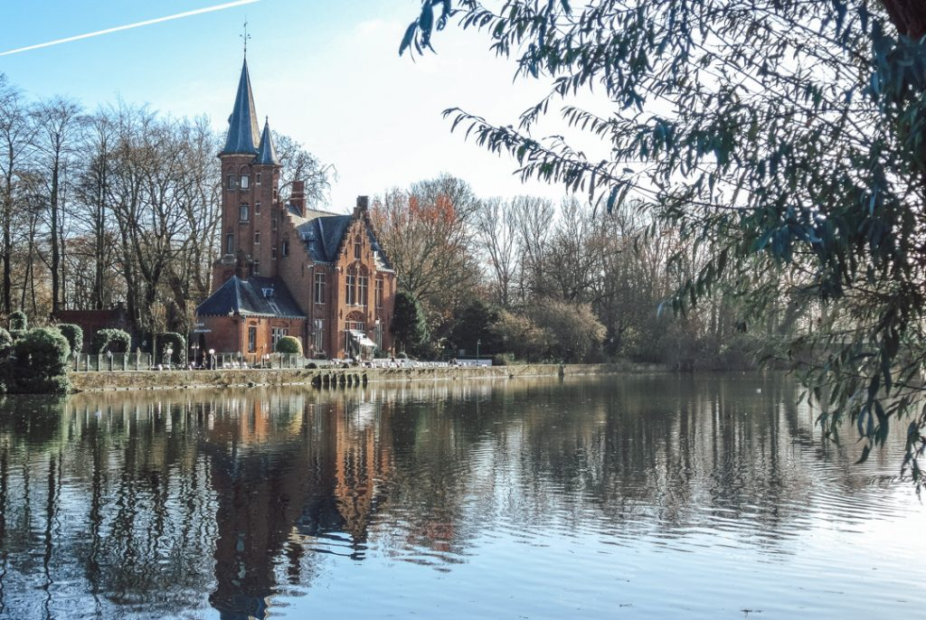 Minnewater Lake, Bruges - How to spend a weekend in Bruges